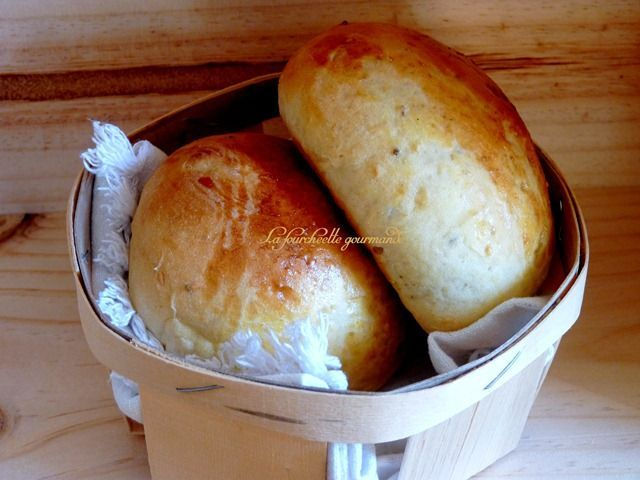 Krachel (petits pains sucrés)