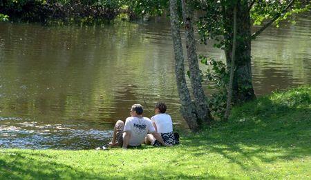 chabrot_couples_au_bord_de__eau_juillet_2008__3_