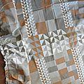 2119 grand rideau tissu ancien vintage baccara exclusivite galeries lafayette tons de beige gris perle