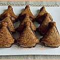 Tajines aux noisettes & noix de cajou sur biscuits cacao