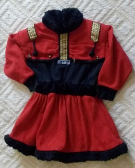 *Costume Russe, 4 ans