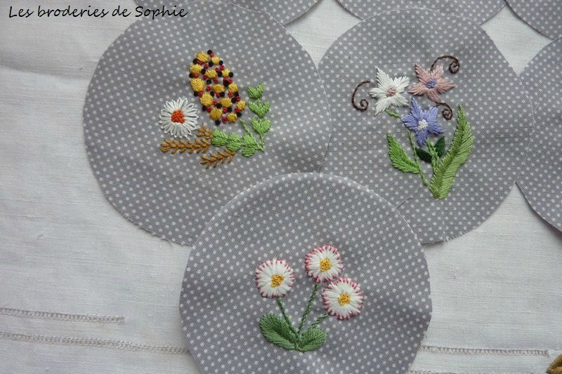 Broches brodées (3)