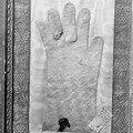 [gants] les gants pontificaux