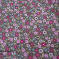 tissu kaki à fleurs