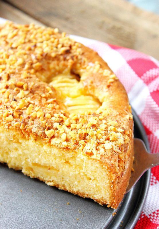 Gâteau aux pommes caramelisées & aux éclats de noisettes1