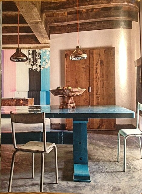 table rustique bleue