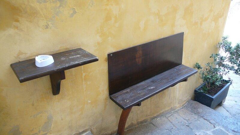 CASTELSARDO BANC POUR FUMER ET CAFE