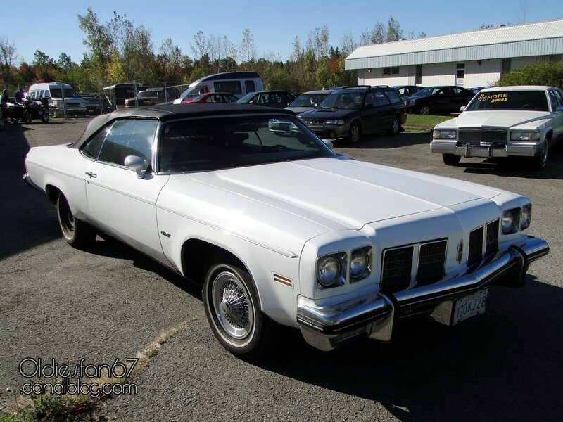 oldsmobile-delta-88-convertible-1975-01