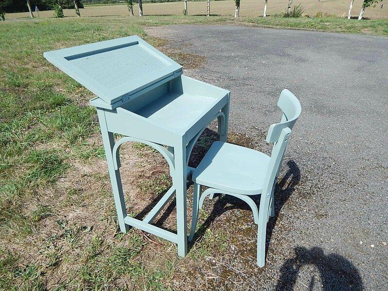 Pupitre adulte et sa chaise la petite brocanteuse for Bureau pupitre adulte
