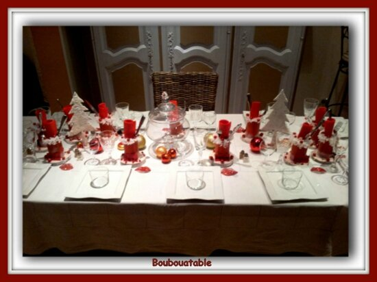 Table de no l boubouatable - Table de noel rouge et or ...