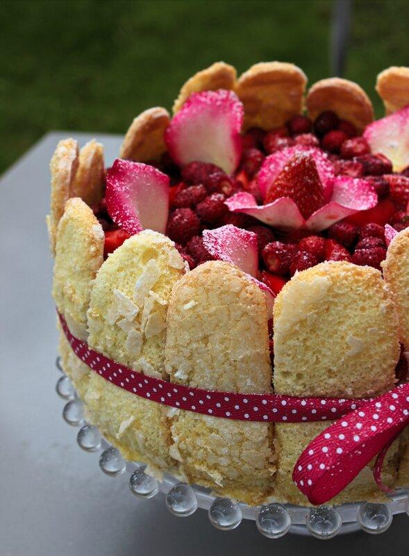 Charlotte fraises rose (2)