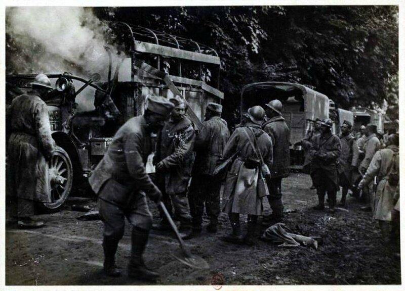 Somme incendie d un camion servant au transport des troupes