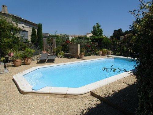 Location avignon saint remy de provence gite avec piscine for Camping saint remy de provence avec piscine