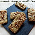 Financiers a la pistache au crumble d'avoine
