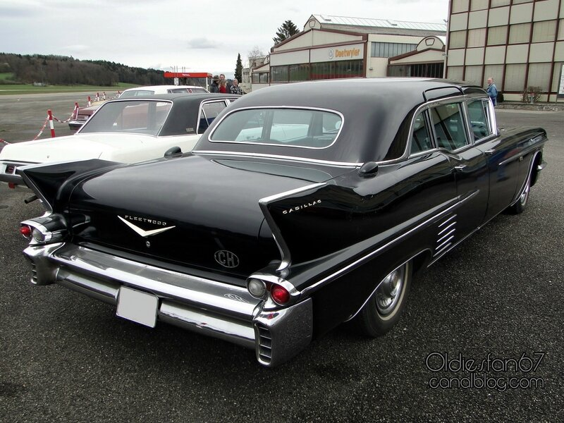 cadillac-fleetwood-75-limousine-1958-02