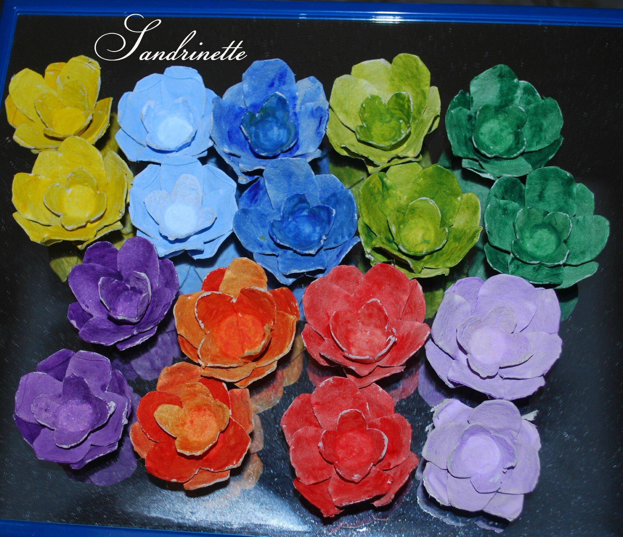 Rose en bo te d 39 oeuf sandrine dans tous ses tats - Comment faire des fleurs avec des boites a oeufs ...