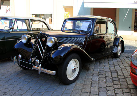 la citroen traction 11 bl de 1954 1935 1957 3 me rencontre de voitures anciennes benfeld. Black Bedroom Furniture Sets. Home Design Ideas