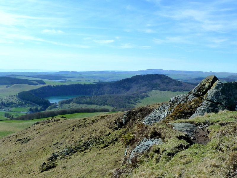 lac Pavin et puy de Montchal