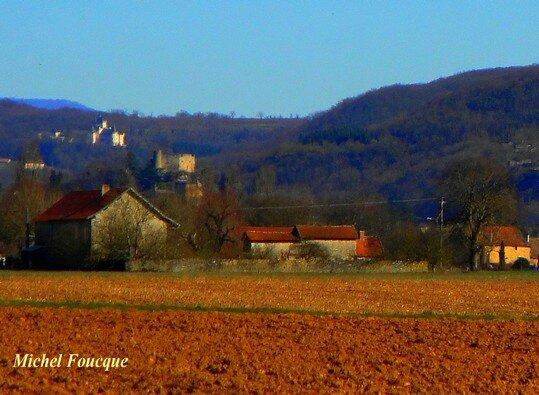 4) châteaux St-Julien et Delphinal