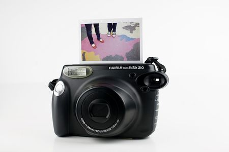 fuji_instax_wide_angle