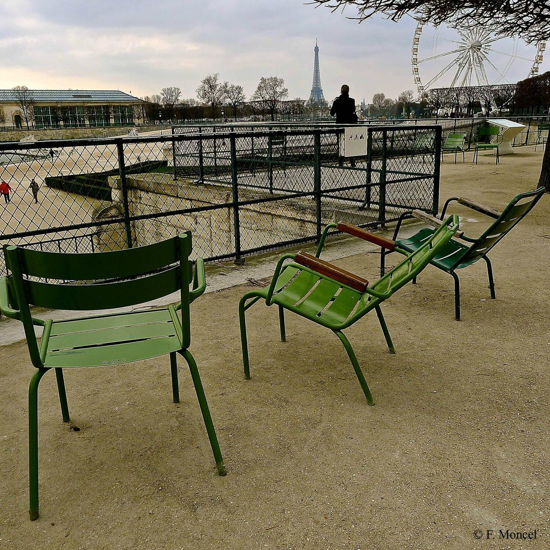 Fl¢nerie dans le jardin des Tuileries Parispolis radioscopie d