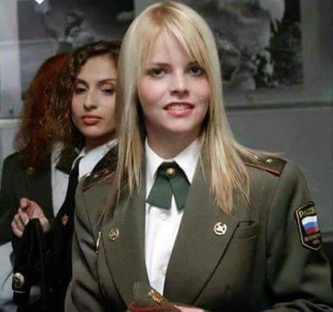 Femmes sous l'uniforme (7)