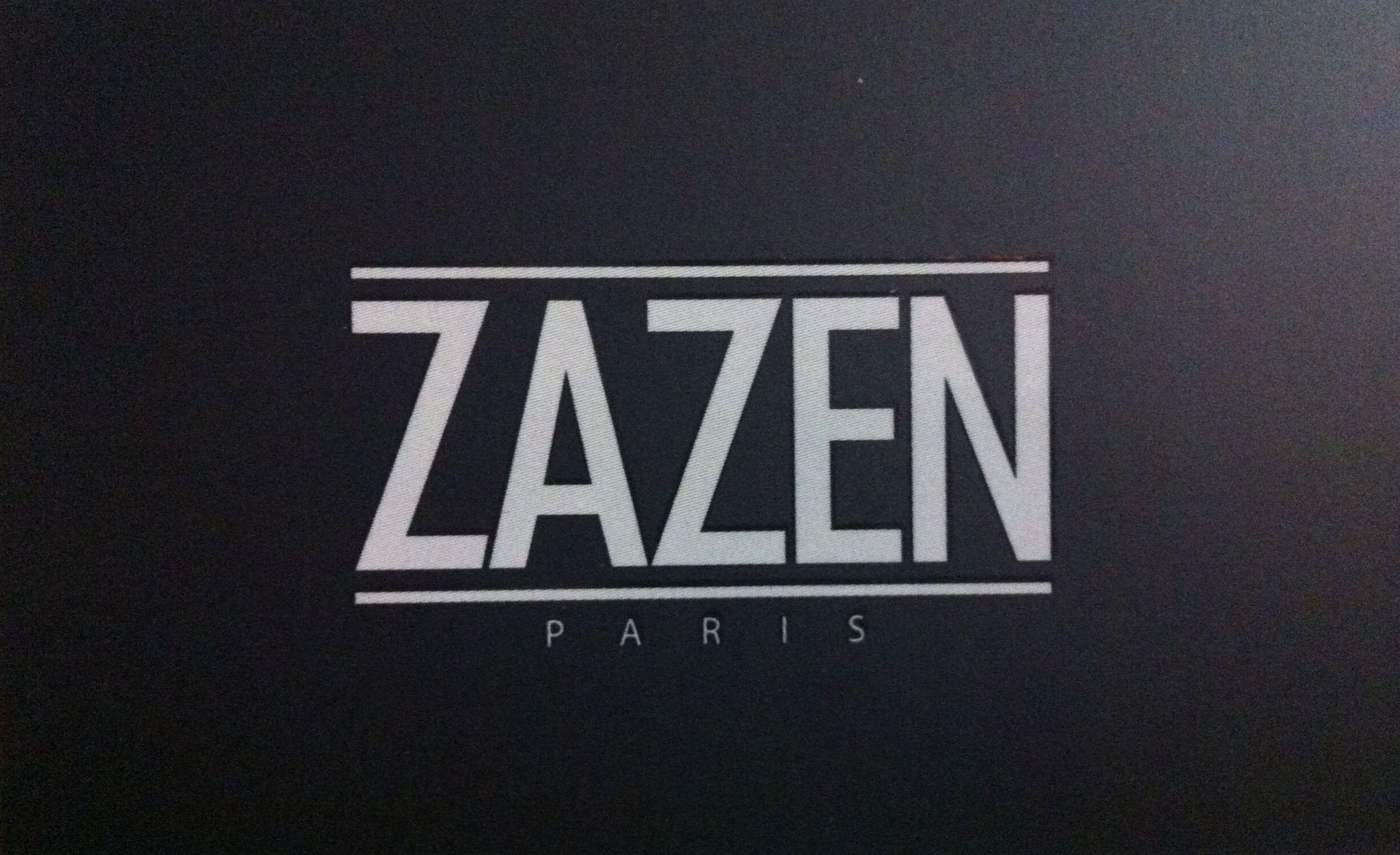 zazen mon nouveau salon de coiffure 2 bees in paris. Black Bedroom Furniture Sets. Home Design Ideas