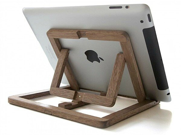 support en bois pour tablette graphique ipad oooms le blog de moon. Black Bedroom Furniture Sets. Home Design Ideas