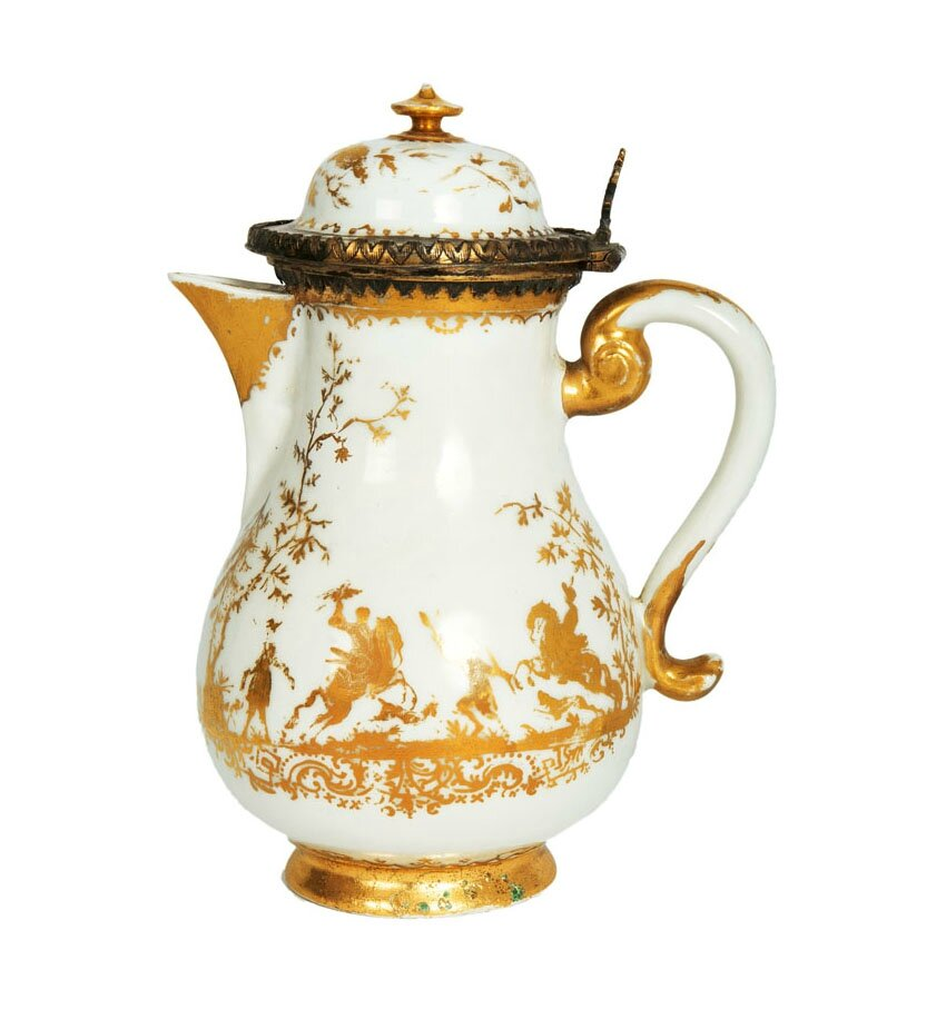 A rare Boettger jug with gold painting from Augsburg, Meissen, probably Abraham Seuter, around 1725