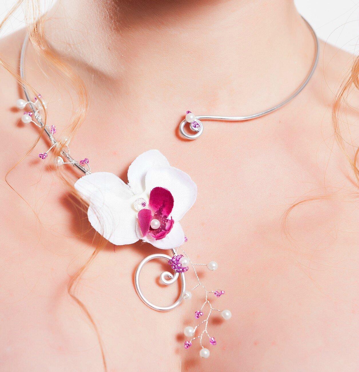 collier mariée fil aluminium et felur orchidée - mariage - cérémonie