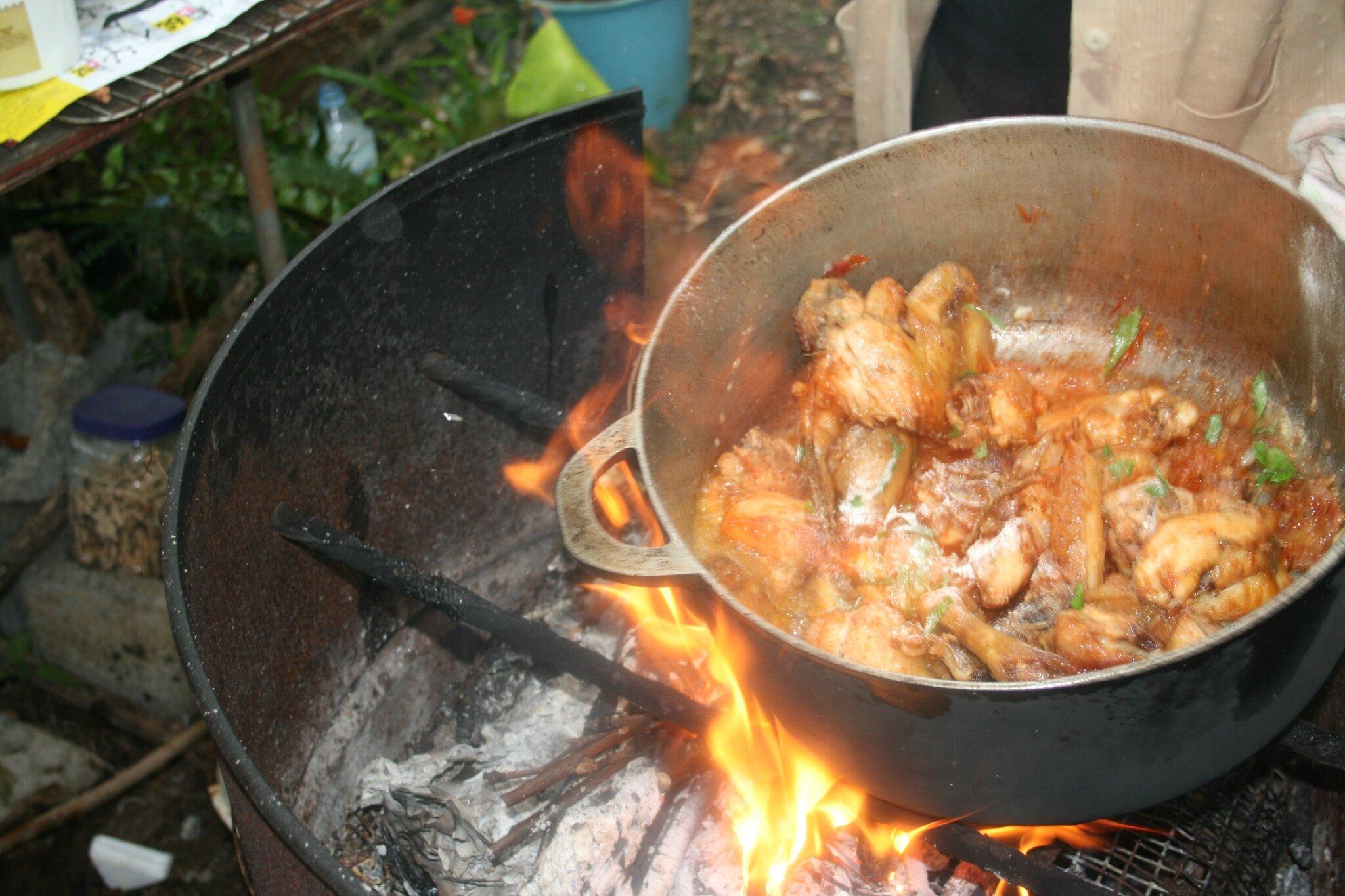 Cari poulet ti 39 marie au feu de bois mikuizin for Au petit four a bois