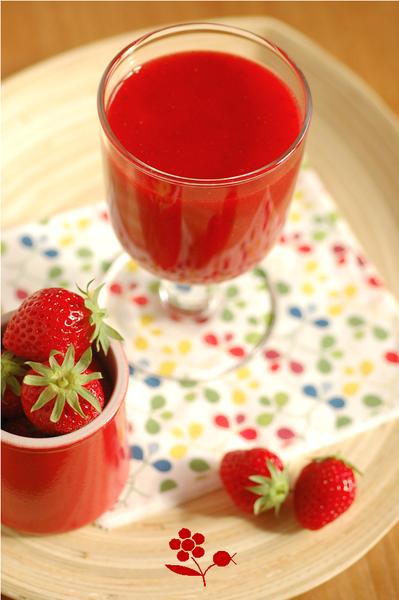 Smoothie fraise, sirop de fleur de sureau, citron, menthe_1