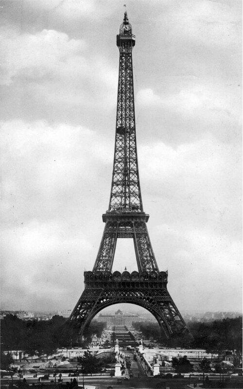 tour eiffel 1940