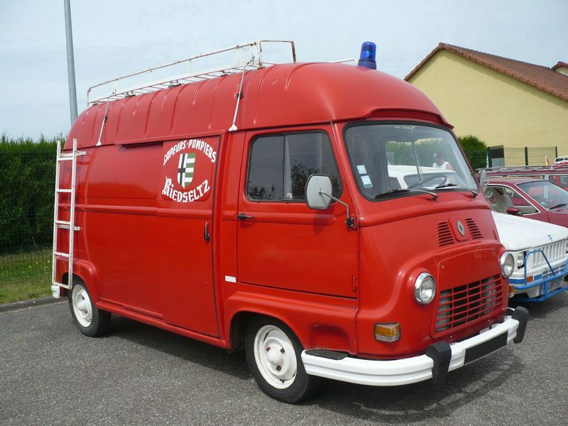renault estafette sur lev e des sapeurs pompiers 1977. Black Bedroom Furniture Sets. Home Design Ideas