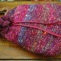 Sac à ouvrages & autres bricoles de fille... Réalisé en Scottish aran Tweed de Rowan et Blossom de Noro (création Le Comptoir)
