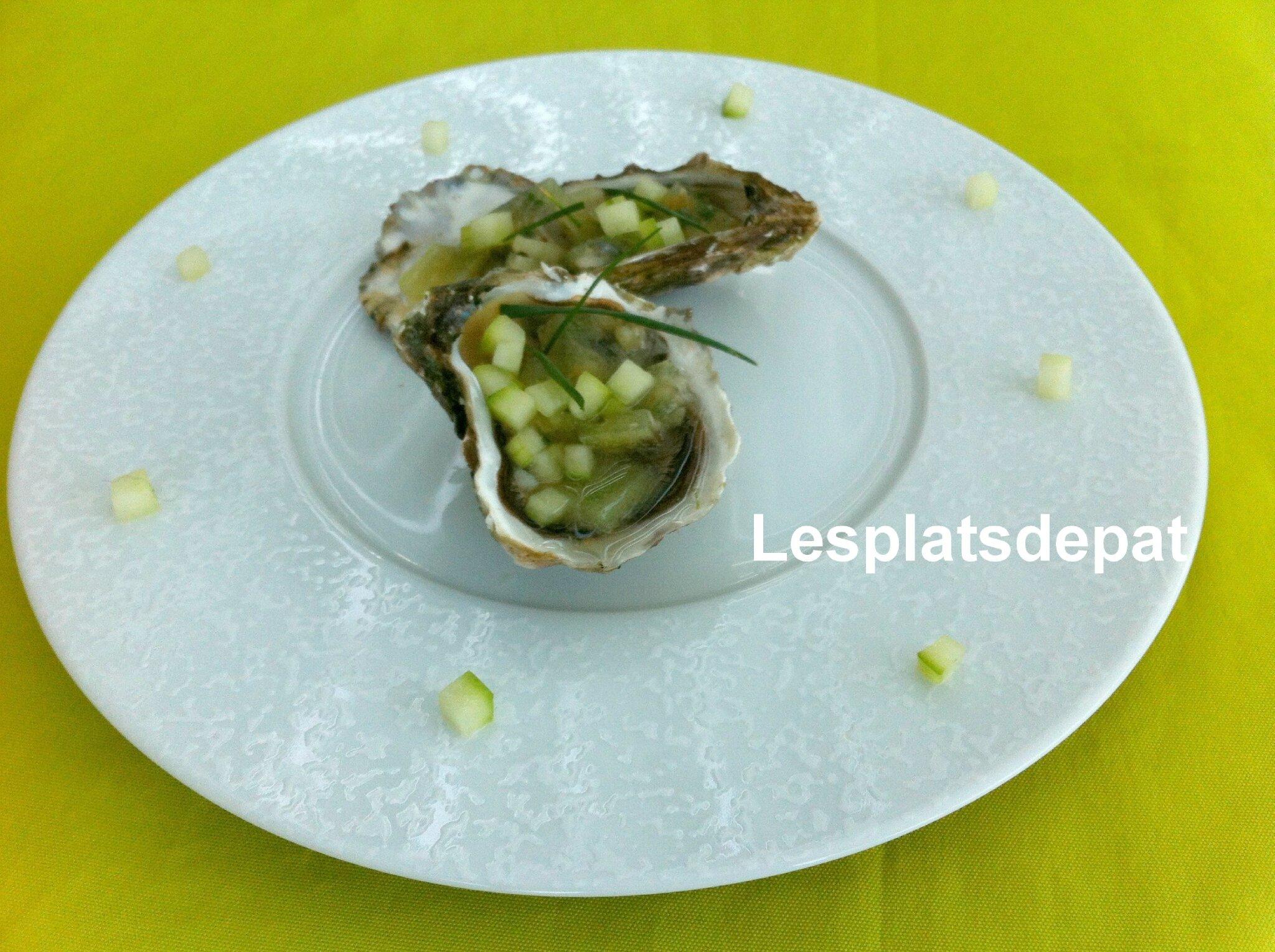 Huîtres et concombre en gelée iodée