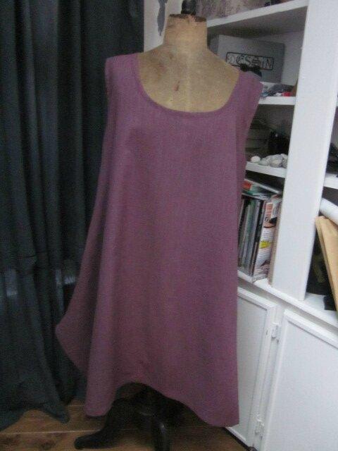 Robe EUPHRASIE en lin prune - un poche dans couture de côtés droits (2)