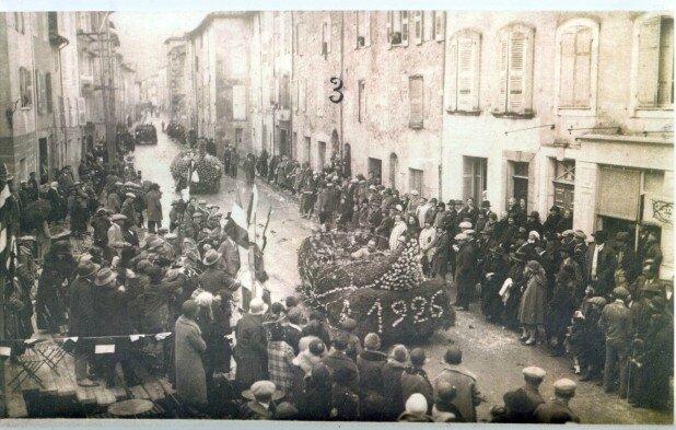 Le corso fleuri de 1926 à Trans en Provence