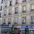 Façade de l'immeuble du 8, rue Poulet (Paris, XVIIIe)
