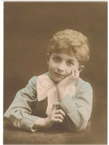 Enfant sage 1917 vintage