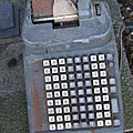 Calculatrices anciennes de magasin - divers