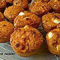 Muffin salés au son d'avoinr, tomate séchée, feta et basilic.