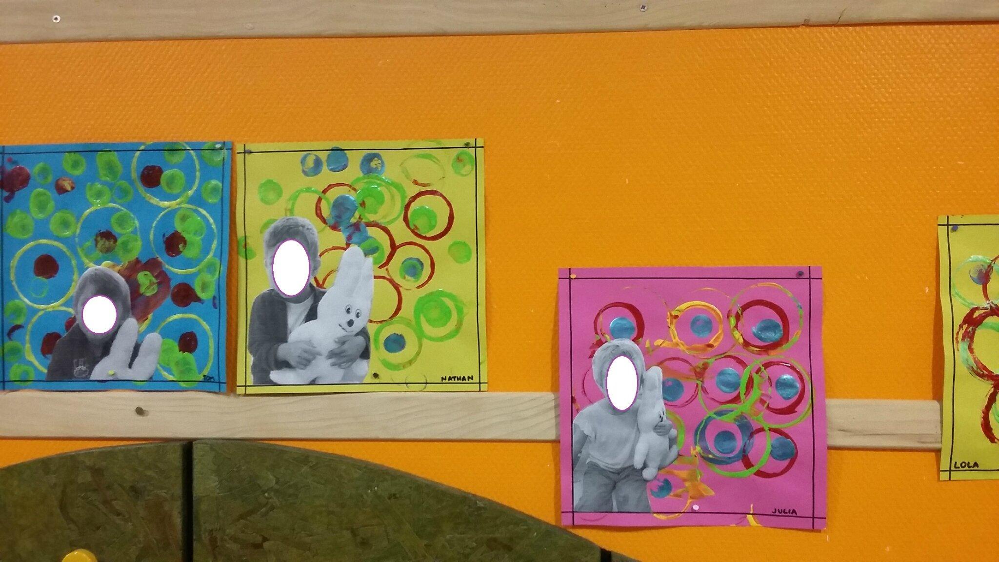 Portemanteaux petite section la classe des petits - Decoration classe petite section ...