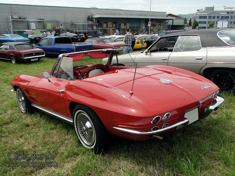 chevrolet-corvette-sting-ray-convertible-1964-02