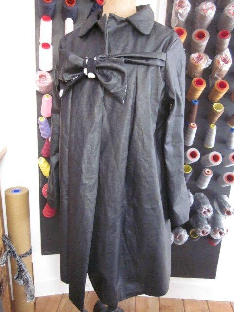 Ciré en lin enduit noir et noeud en lin endruit et coton noir à gros pois blancs - taille 50 (2)