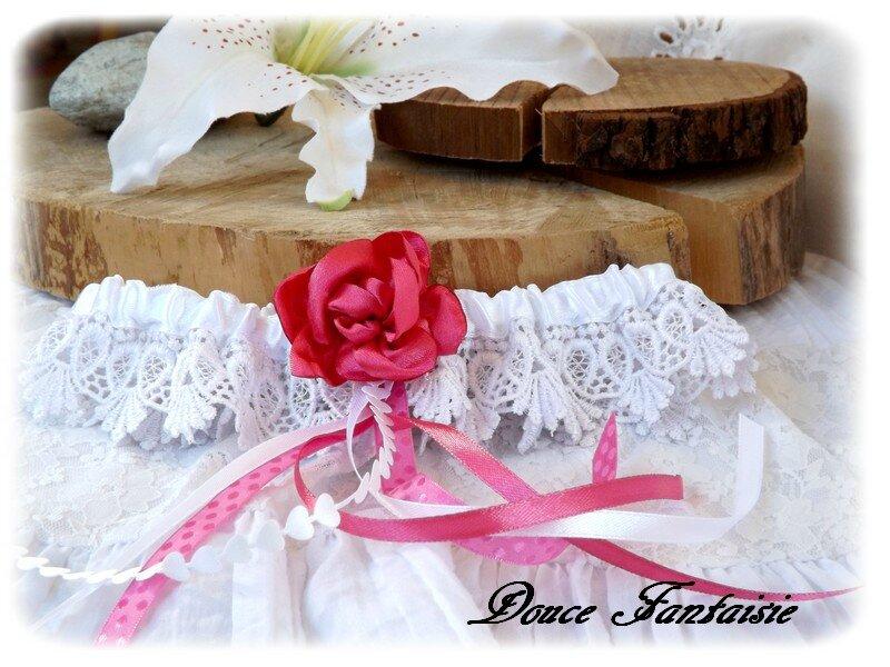 Jarretière blanc fuchsia en dentelle et fleur satin mariage