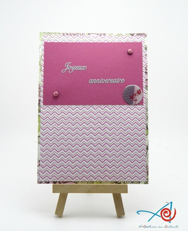 Carte rose sur chevalet - L'Atelier au soleil