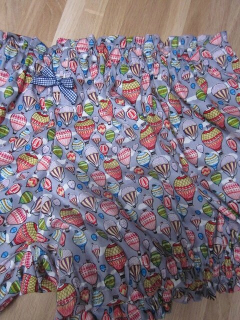 Culotte BIANCA en coton gris imprimé mongolfières multicolores - noeud vichy marine (1)