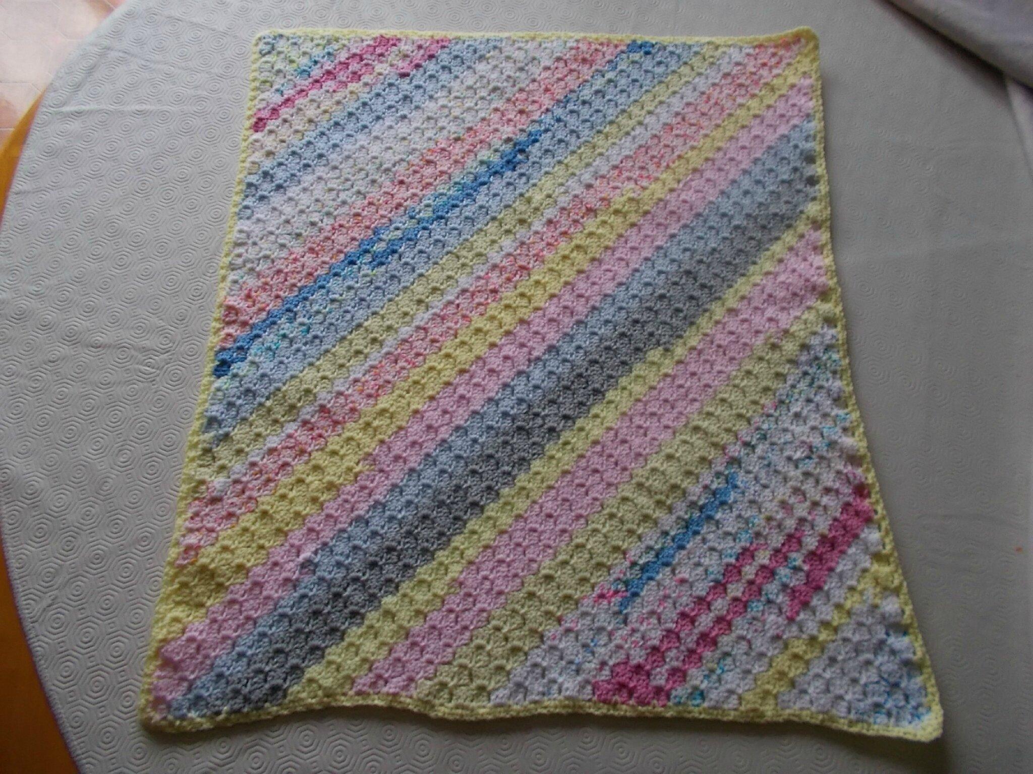 avec des restes de laines tricot crochet livres. Black Bedroom Furniture Sets. Home Design Ideas