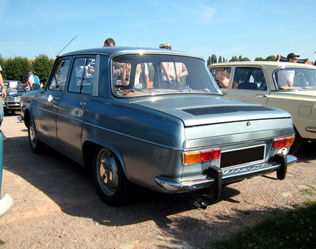 Renault_10_major_de_1968_02